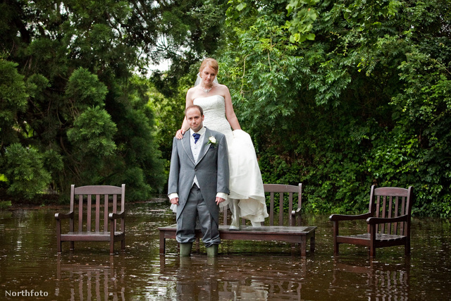Sarah és Mark Camilletti hivatalos esküvői fotóikon