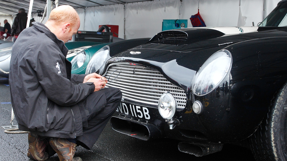 A jó gépnek is kell a kötöző – utolsó szériás Aston Martin DB4 GT