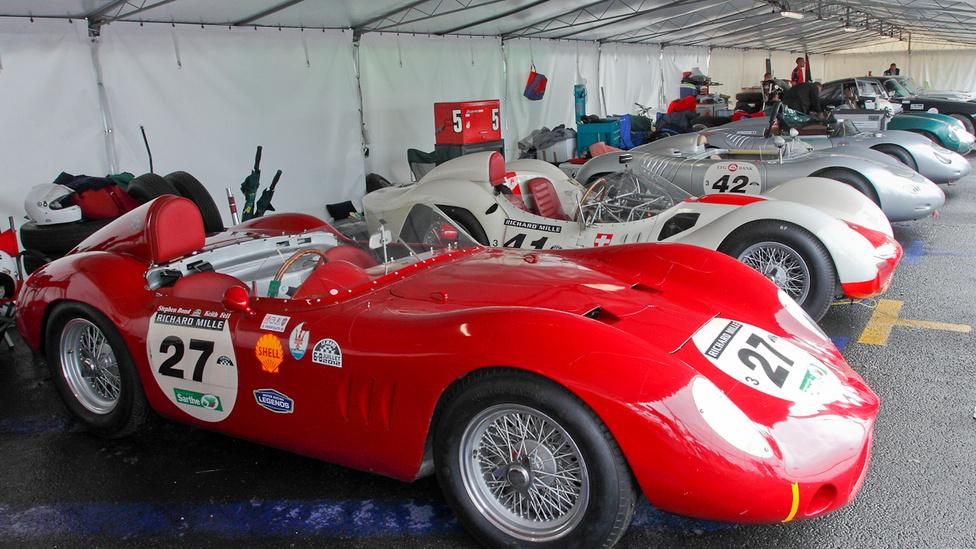 Maserati 250SI, Maserati T61 Birdcage, Porsche 718 RSK, Porsche 550A, Aston Martin DBR1 – mi jöhet még?