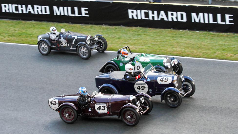 Riley TT Sprite, Bugatti T 40, Morgan 4-4 hátul Bugatti 35 B