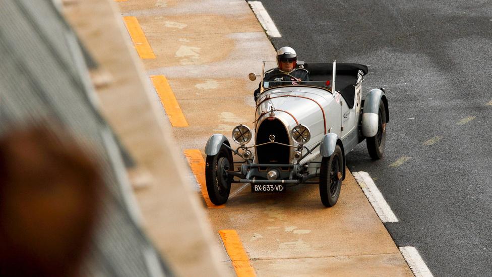 1930-as évjáratú Bugatti T 44, vezetőcsere előtt