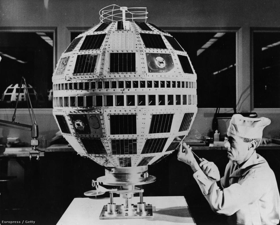 1963. feburár. És máris itt a folytatás: a Telstar-II-n dolgozik egy mérnök a Bell társaság laboratóriumának tiszta szobájában, New Jersey-ben. A következő évtizedekben egymást követték a televíziós műholdak, a telstar-család több tagja jelenleg is aktív és működik.