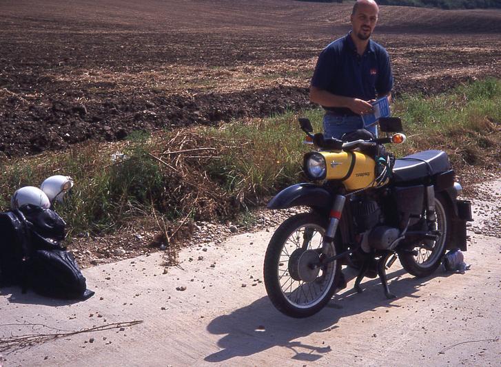Kati első motorja az első közös, vizsgás nagymotorunk is volt egyben