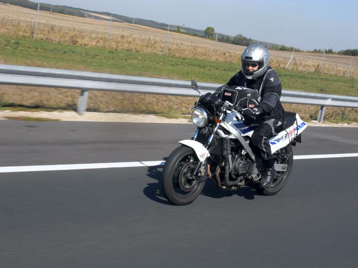 Pécs felé az M6-oson