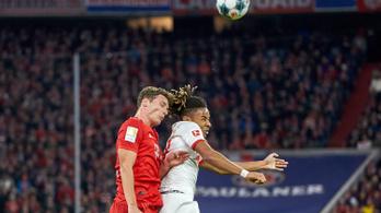 A videóbíró mentette meg Gulácsiékat a Bundesliga rangadóján