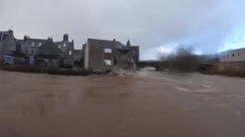 Elvitte egy ház felét a Ciara vihar miatti árvíz