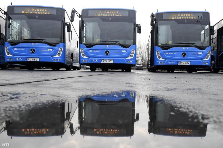 Ezek nem azok a buszok: a BKV Zrt. új Mercedes-Benz Conecto Next Generation típusú buszai a járművek forgalomba állítása alkalmából tartott rendezvényen a társaság dél-pesti telephelyén 2020. január 20-án