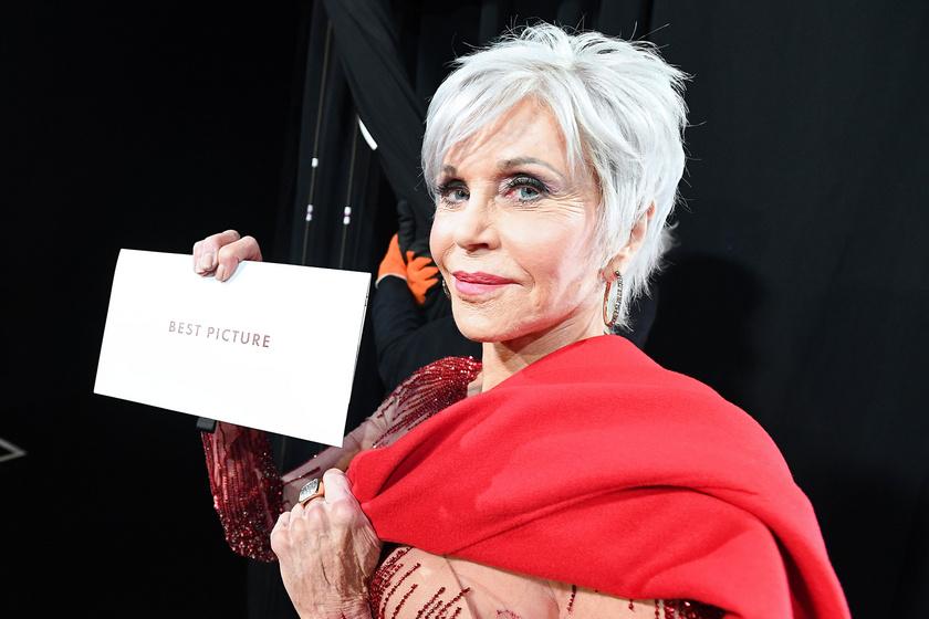 Jane Fonda csillogó, vörös estélyit húzott - 82 évesen is fantasztikusan fest