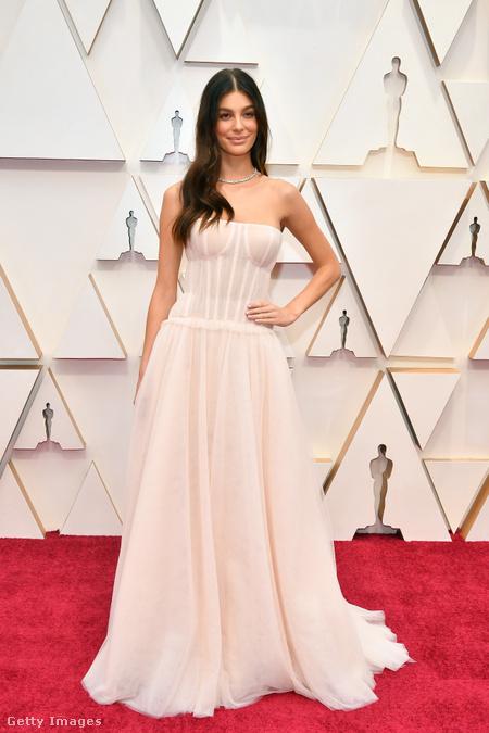 92. Oscar gála, Camila Morrone, 2020.