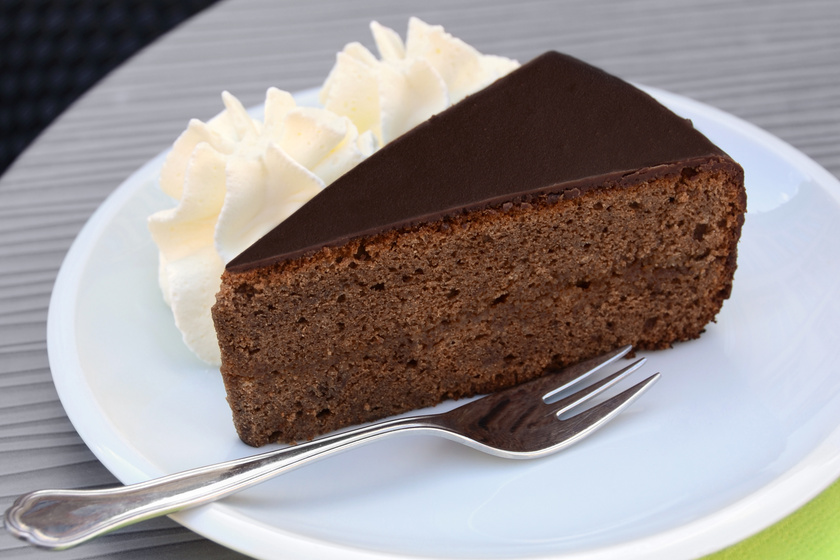 Az eredeti Sacher-torta receptje, ahogy a bécsi szállodában feltalálták – Máig nem változtattak a recepten