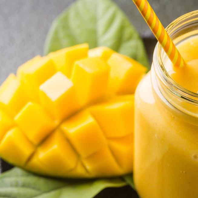 Gyulladáscsökkentő mangós turmix – Csipetnyi őrölt bors kerül a pohárba