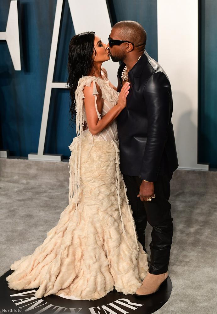 Arcra vagy szájra? Kim Kardashian és Kanye West az utóbbit választotta.