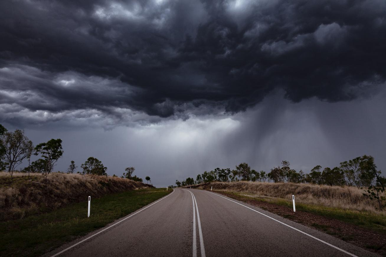 vihar-felho