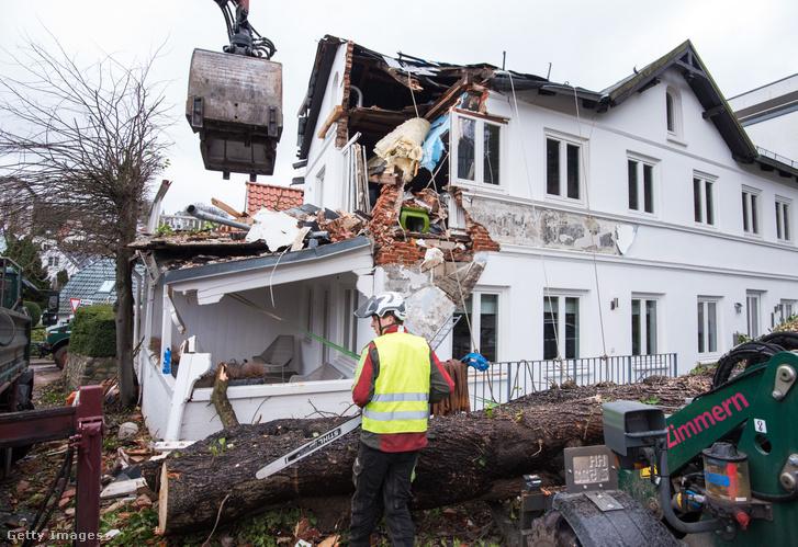 Sabine számos kárt okozott északon, Hamburg