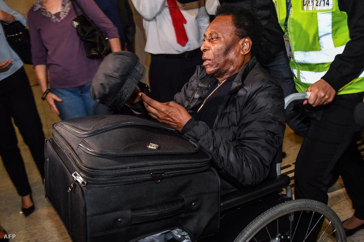 Pelé már tavaly sem volt jó állapotban, de egy párizsi sajtóeseményre még elutazott
