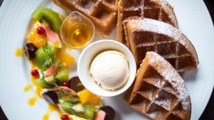 Itt az egészséges, ropogós házi gofri receptje – így hagyhatod ki a búzalisztet az egyik legfinomabb reggeliből!