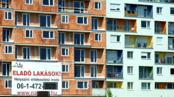 Még mindig nyögik a lakásárak az áfaemelést