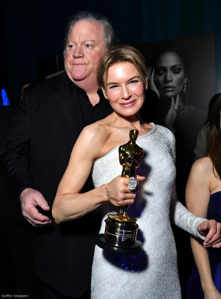 Renée Zellweger egész este nem öltözött át, és a szobrát szorongatta