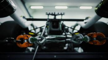 Így szól a legerősebb gyári Lambo V12-es
