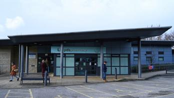 Keresik a betegeket, akiket koronavírusos orvosok kezeltek Brightonban