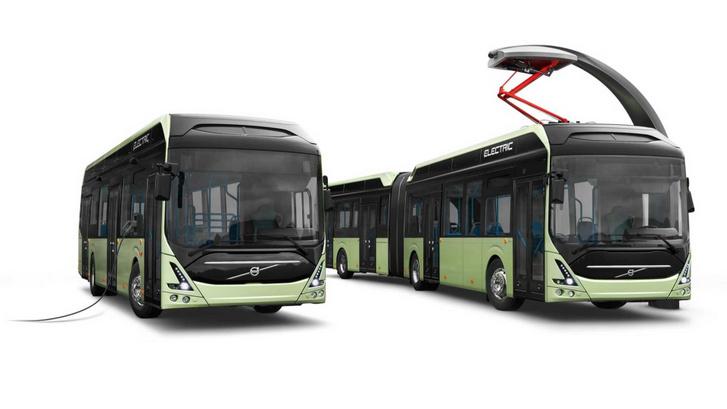 A Volvo 7900-as elektromos buszai: balra a vezetékről tölthető változat, jobbra a villámtöltős, áramszedős típus