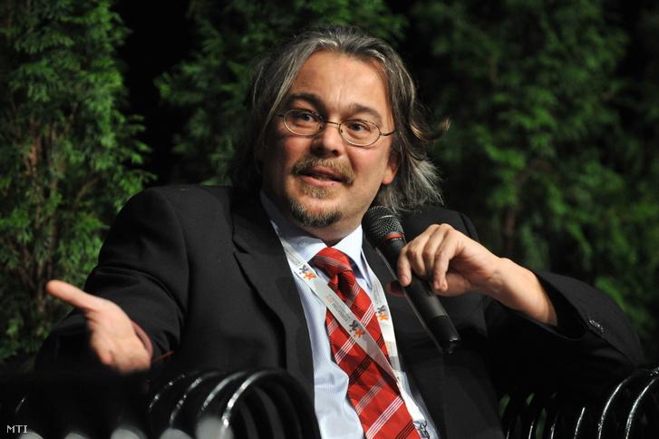 Schatz Péter, a Magyar Televízió (MTV) üzleti és termékfejlesztési igazgatója a Korrektúra 2010 című médiakonferencián