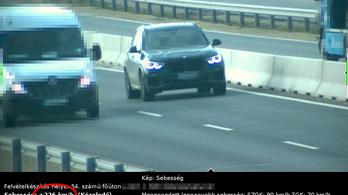 226-tal száguldozott főúton egy BMW Kecskemétnél