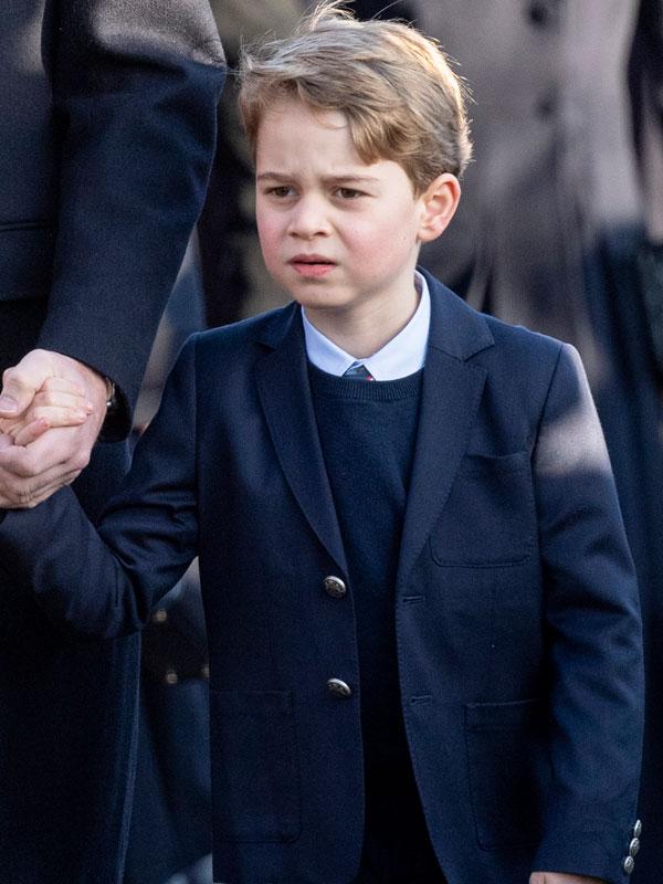 Milyen szabályt kell betartania György hercegnek 12 éves korától?