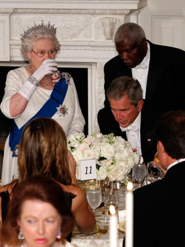Mit nem ehetnek vacsorára a királynő asztalánál?
