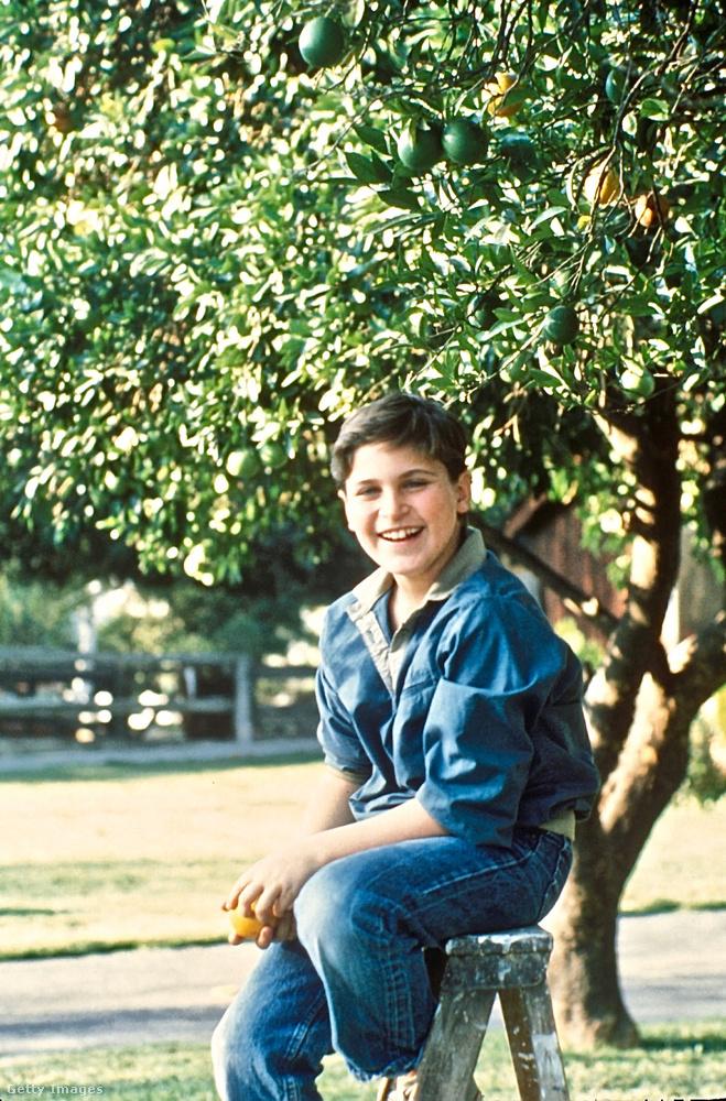 Joaquin Phonex a középső gyerek volt az ötből, 8 évesen, 1982-ben színészkedett először profi produkcióban: feltűnt egy tévésorozat egyik részében bátyjával, Riverrel együtt