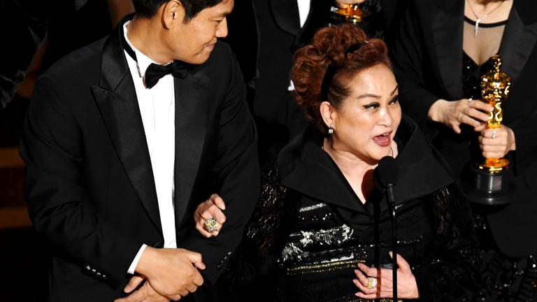 Világszámot varázsolt a K-Popból, most már Oscarja is van