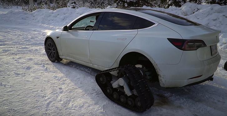 tesla-model-3-snow-tracks-standard-range-plus