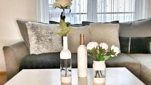 Egyedi és dekoratív vázák üvegből, újrahasznosítva