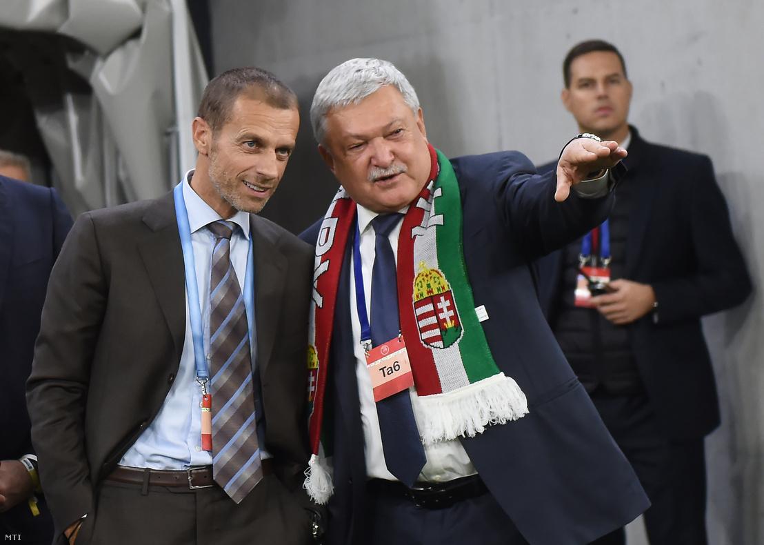 Aleksander Ceferin az Európai Labdarúgó Szövetség (UEFA) elnöke (b) és Csányi Sándor a Magyar Labdarúgó Szövetség (MLSZ) elnöke a Puskás Aréna nyitóünnepségén 2019. november 15-én.