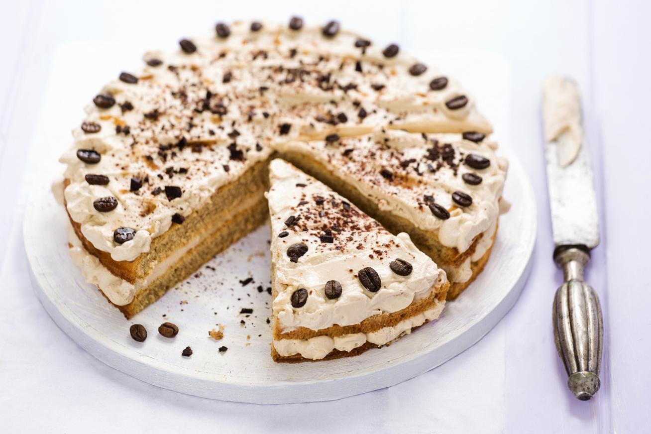 emeletes-kaves-torta