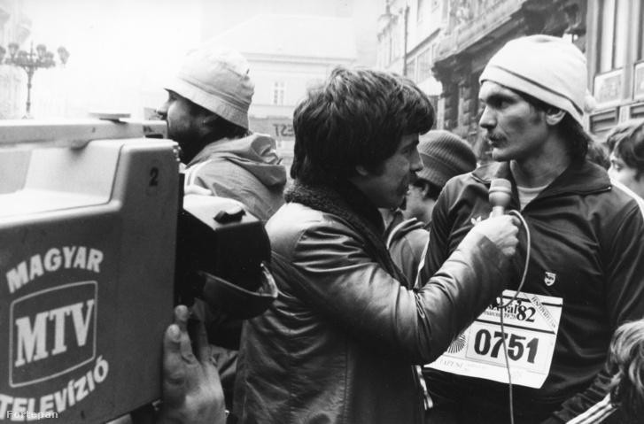 Déri János, az MTV riportere és Wichmann Tamás 1982-ben