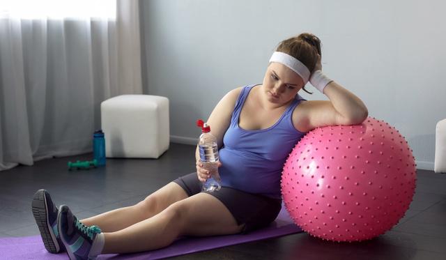 Zsírégetés és erősítés egyszerre? Ezt tudja a MetCon | High intensity workout, Hiit, Fitness class