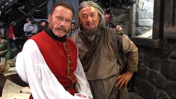 Jackie Chan Schwarzeneggerrel harcol egy kínai-orosz filmben