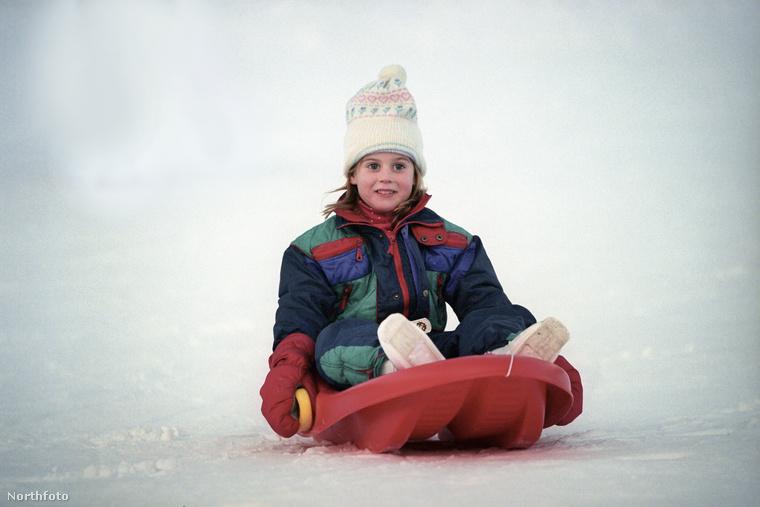Beatrix yorki hercegnő 1988 augusztusában született, a család második gyermekeként, ...