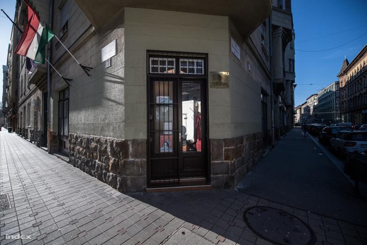 A budapesti Wesselényi utcai Áldozatsegítő Központ bejárata