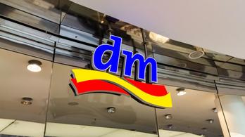 Már vizsgálja a DM az utántöltő automaták magyarországi bevezetését