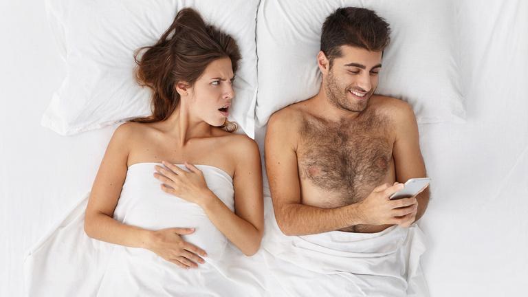Szexualitás és mobiltelefon az ágyban? A pszichológus válaszol