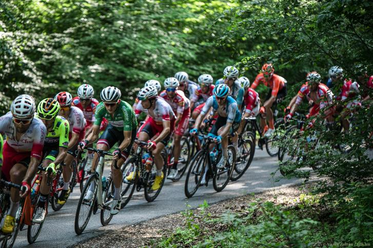 A 2019-es Tour de Hongrie első szakaszán hajt a mezőny