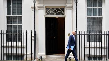 Boris Johnson kormányátalakítása után lemondott a pénzügyminiszter