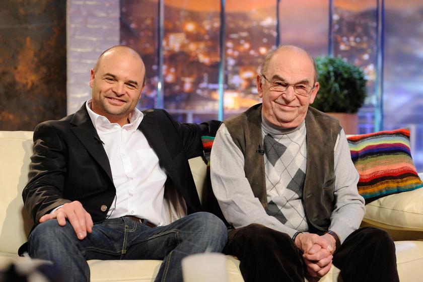 Bodrogi Gyula és fia, Bodrogi Ádám 2012 novemberében a DTK - D. Tóth Kriszta Show felvételén.