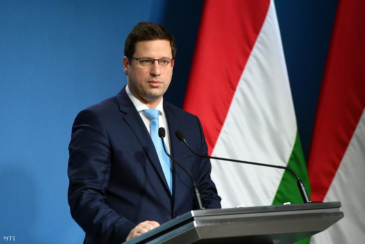 Gulyás Gergely, a Miniszterelnökséget vezető miniszter a Kormányinfó sajtótájékoztatón 2020. február 13-án.