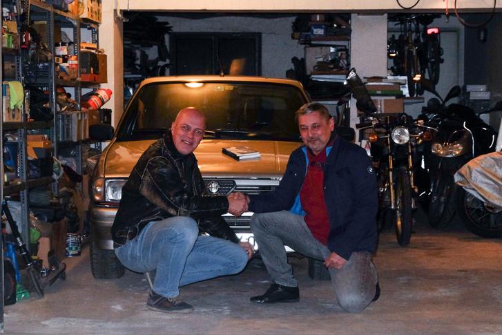 Tomival még a garázsban