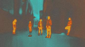 Elszállós menetekkel szakít ki a valóságból a Képzelt Város
