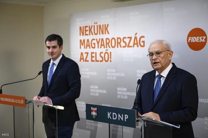 Harrach Péter a Kereszténydemokrata Néppárt (KDNP) frakcióvezetőe sajtótájékoztatót tart a frakciószövetség kétnapos kihelyezett ülése után Balatonfüreden 2020. február 13-án.