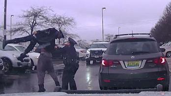 Pankrátorként vágta a földhöz a rendőrt az amerikaifutballista